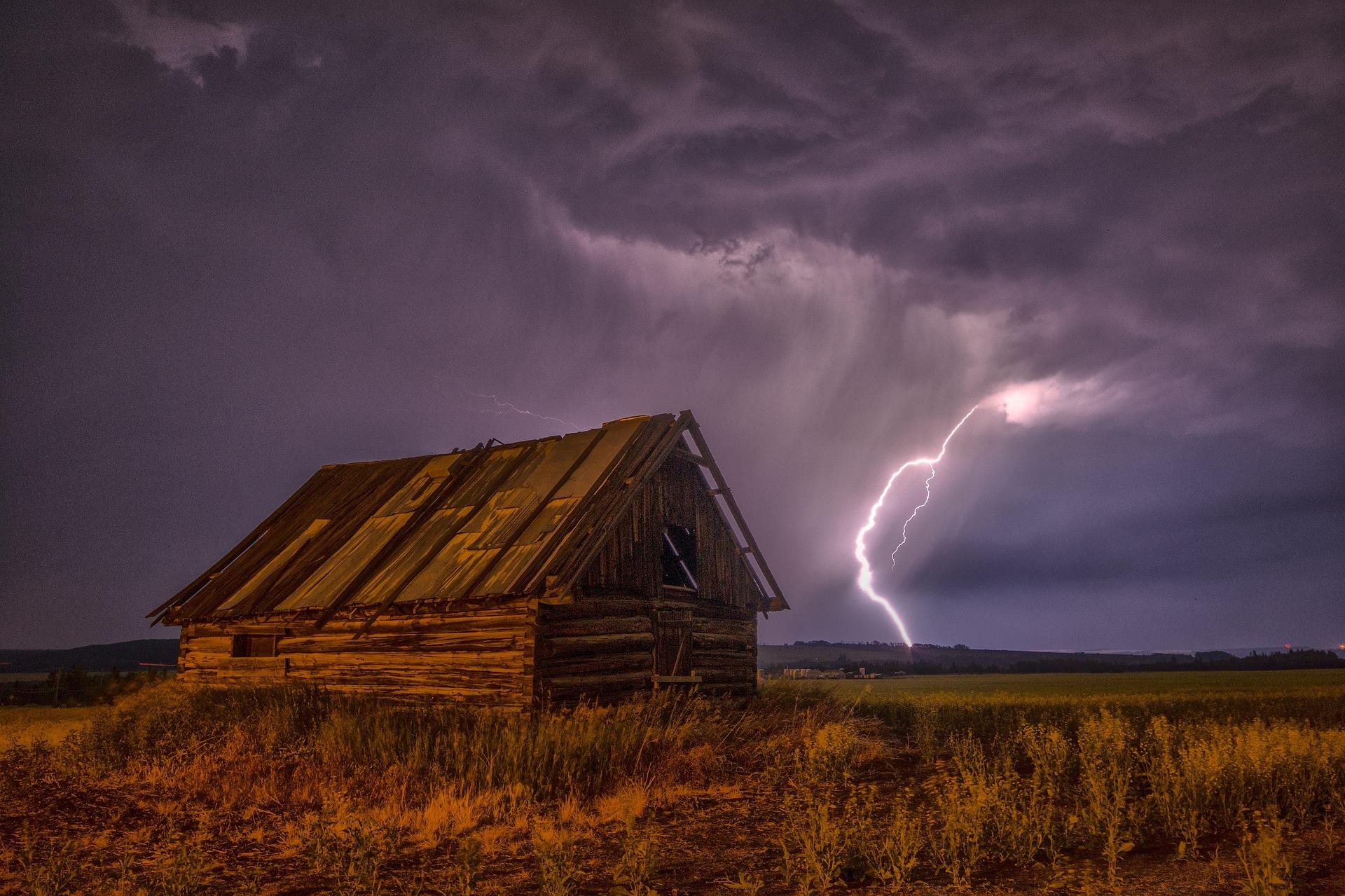 granero, rayo, tormenta, nubes, cielo, tempestad, violeta - Fondos de Pantalla HD - professor-falken.com
