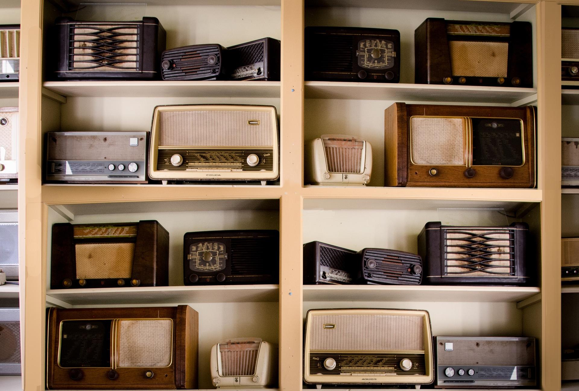 Radio, collezione, scaffalature, vintage, vecchio - Sfondi HD - Professor-falken.com
