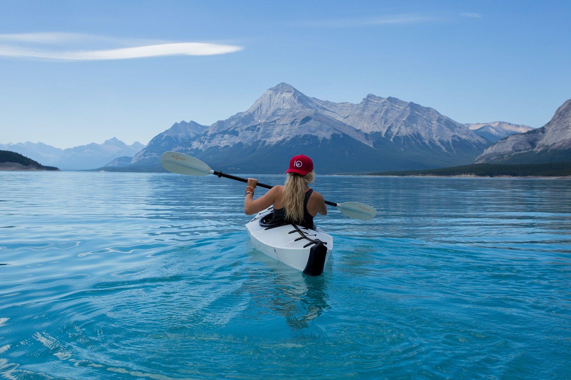 mulher, Caiaque, Lago, remos, montanhas - Papéis de parede HD - Professor-falken.com