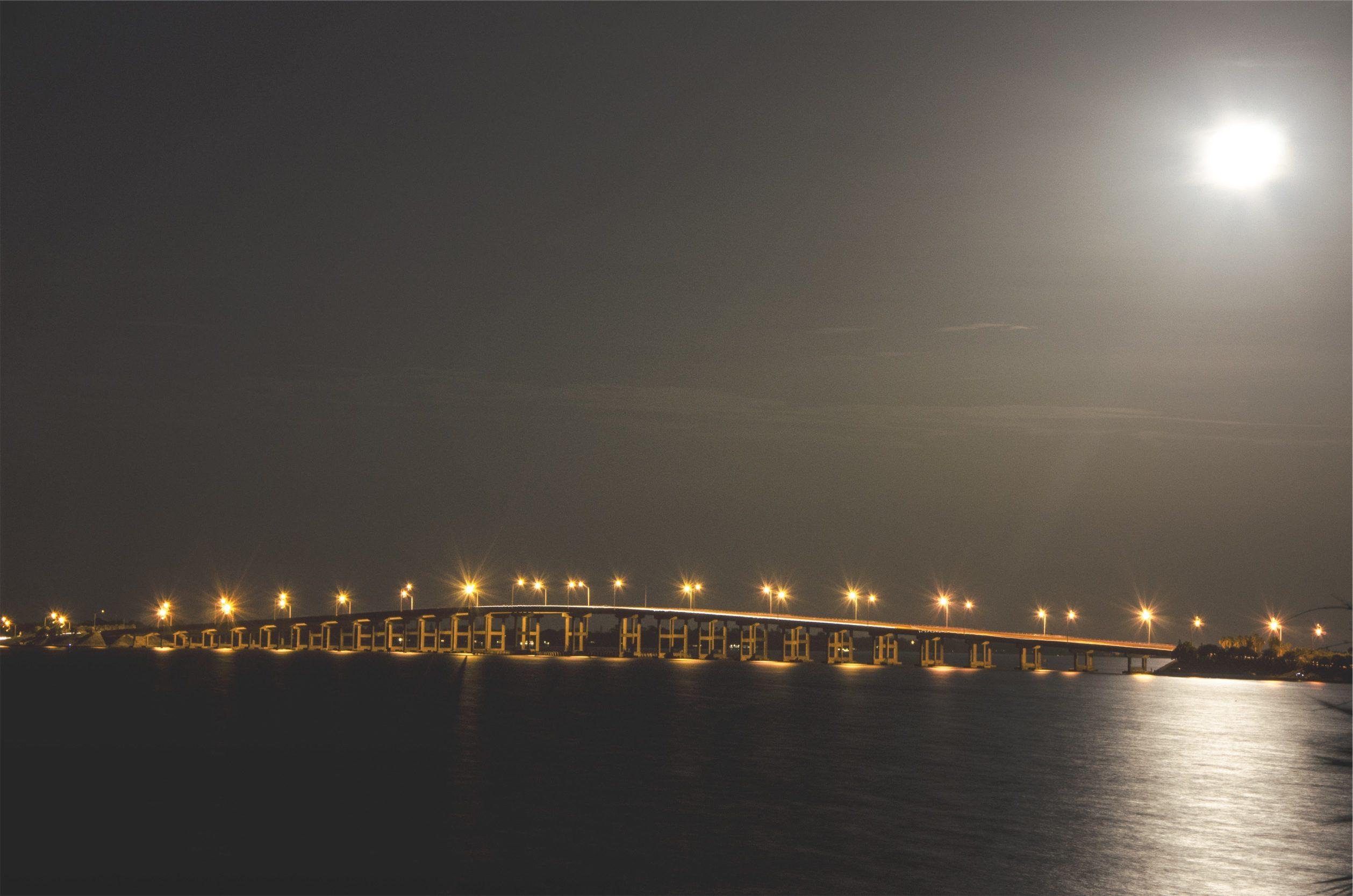 Lune, pont, nuit, Mer, lumières - Fonds d'écran HD - Professor-falken.com