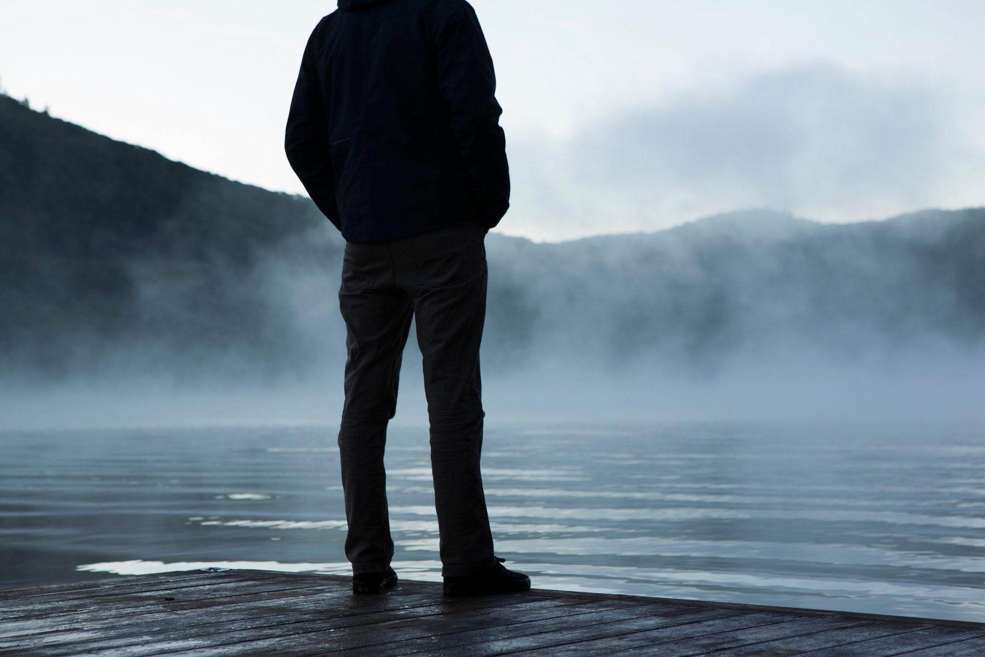 Mann, Lake, Nebel, Embarcadero, Montañas - Wallpaper HD - Prof.-falken.com