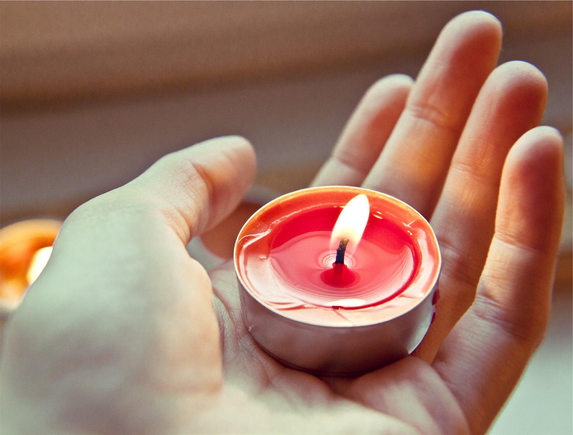 χέρι, κερί, φωτιά, φλόγα, Κόκκινο - Wallpapers HD - Professor-falken.com